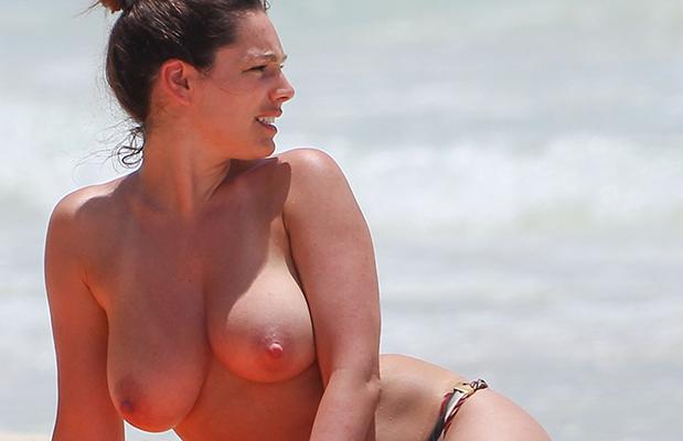 Kelly brook cancun nude beach