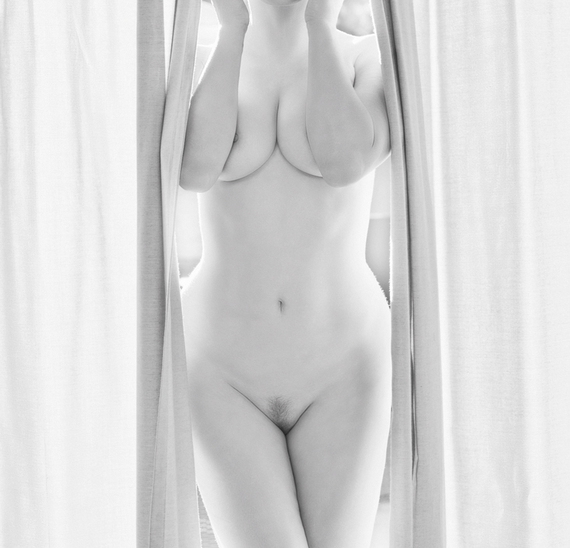 Rose mcgowan full frontal nude